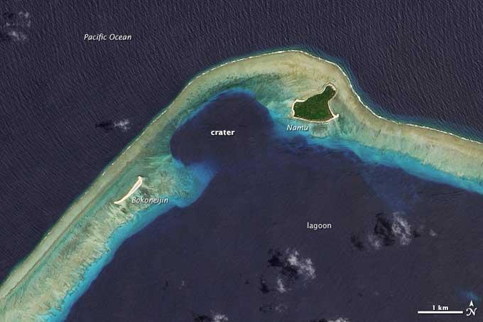 cráter nuclear en el atolón Bikini