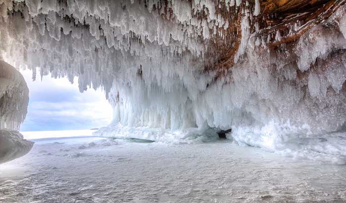 cueva de hielo en Apostle Islands National Lakeshore