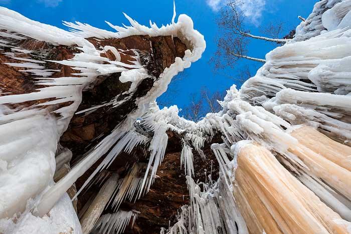 cascada helada en el Apostle Islands National Lakeshore
