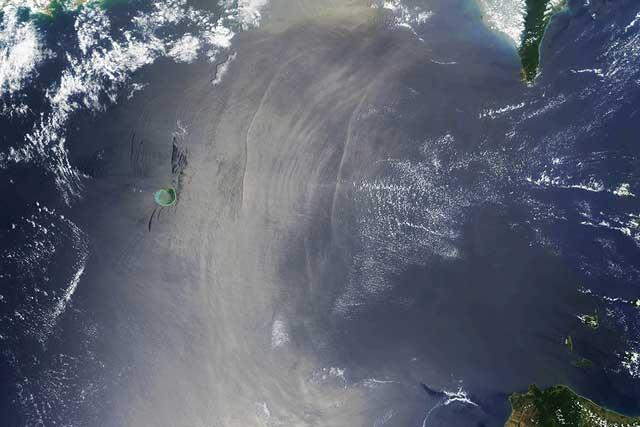 estrecho de Luzón desde satélite