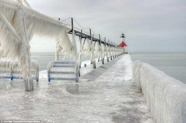 faro congelado en Michigan