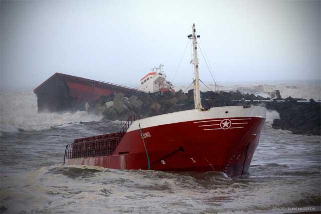 el carguero español Luno partido en dos en la costa de Francia