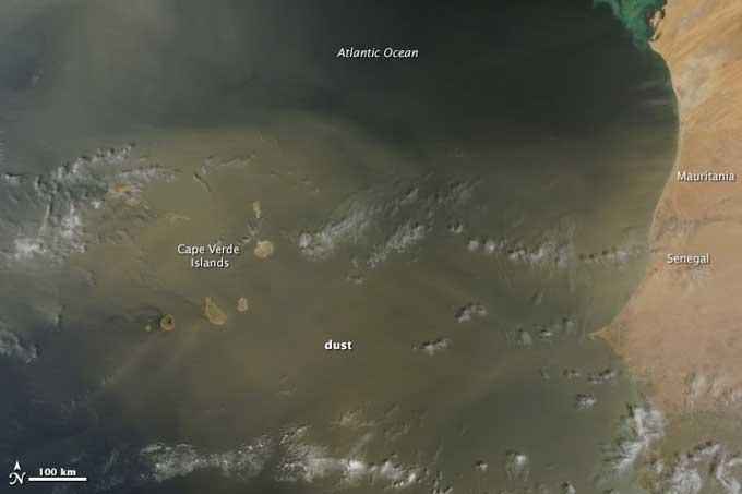 Las Islas de Cabo Verde bajo el polvo