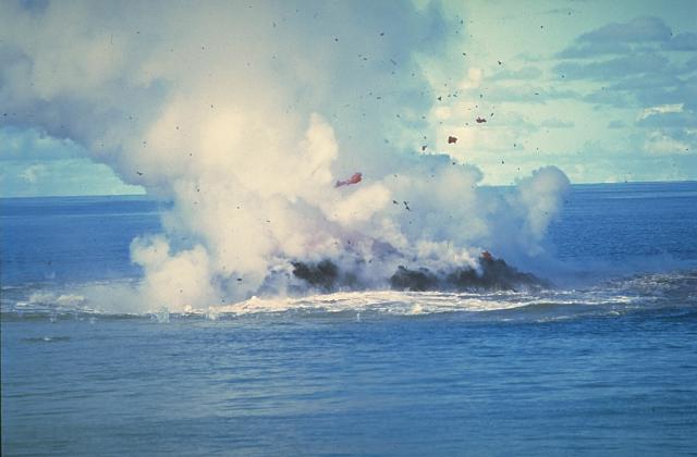erupción del volcán Kavachi