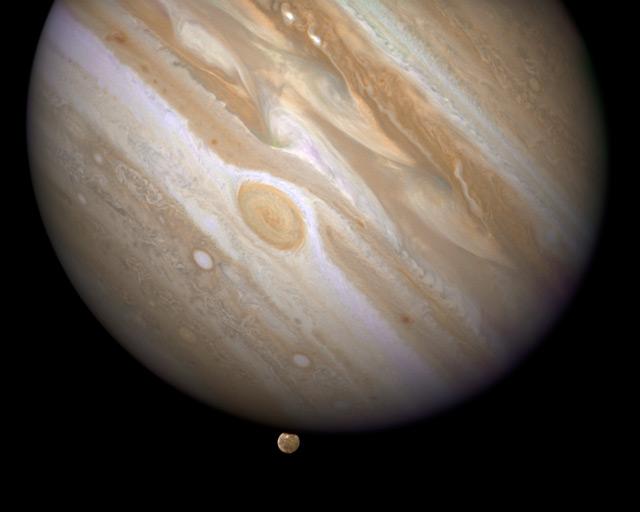 Júpiter y su luna Ganímedes
