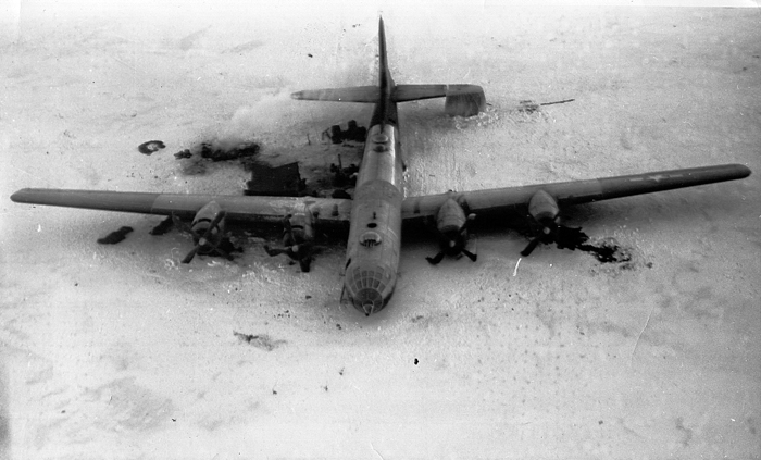Kee Bird, aterrizaje forzoso en 1947