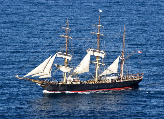 réplica del barco de James Cook