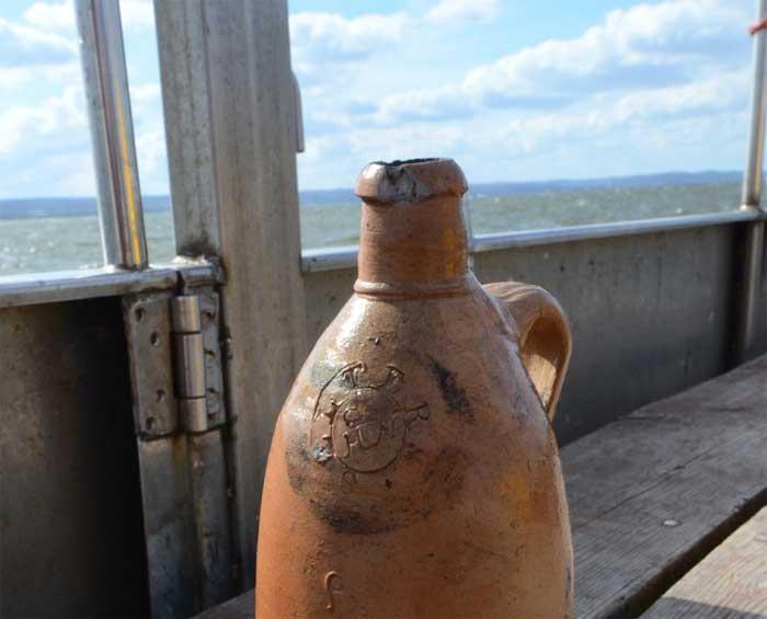 botella de alcohol de 200 años encontrada en un naufragio