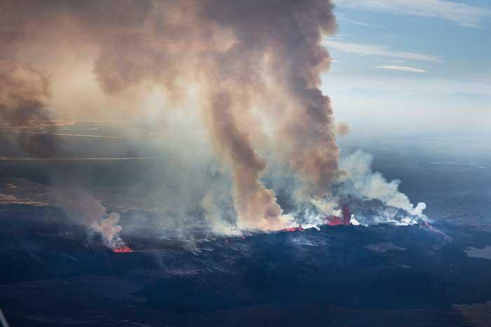plumas de SO2 en el campo de lava Holuhraun, Islandia