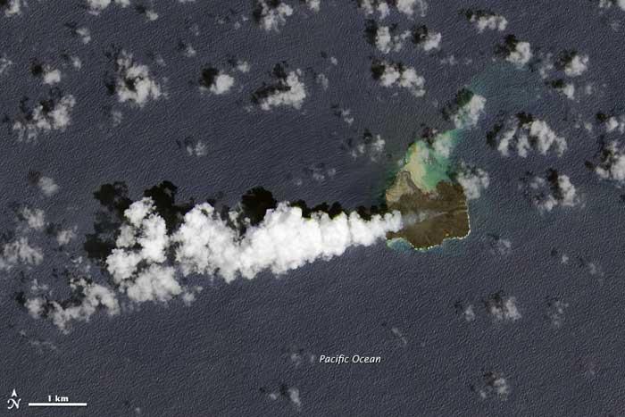 isla de Nishino-shima, Japón, desde satélite
