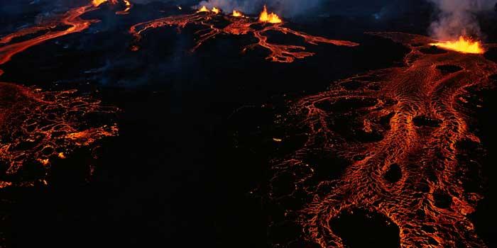 ríos de lava por la erupción en Holuhraun