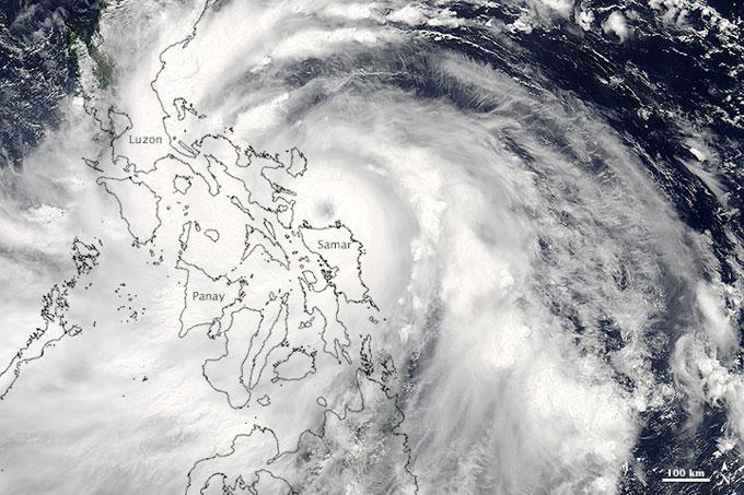 el tifón Rammasun sobre las Filipinas