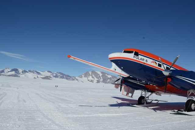 antena de radar en el avión Polar 6