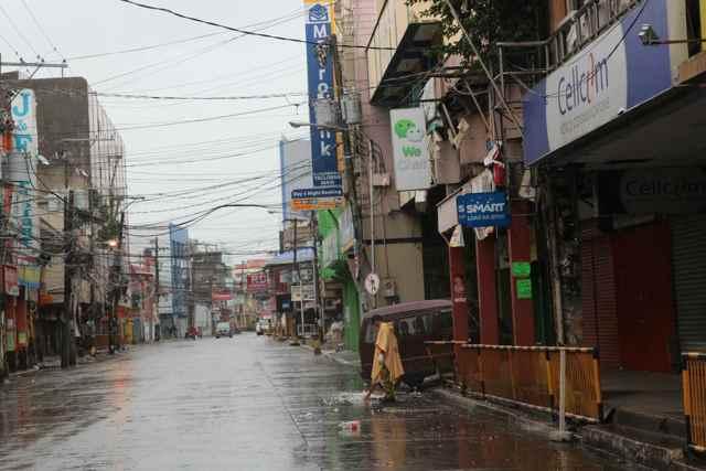 una calle de Tacloban ayer