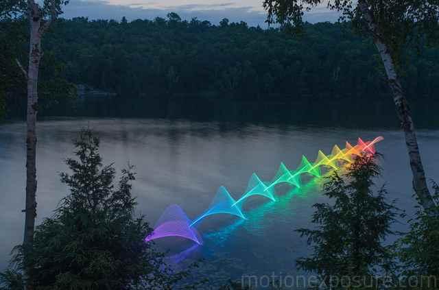 fotografía de larga exposición kayak con LEDs