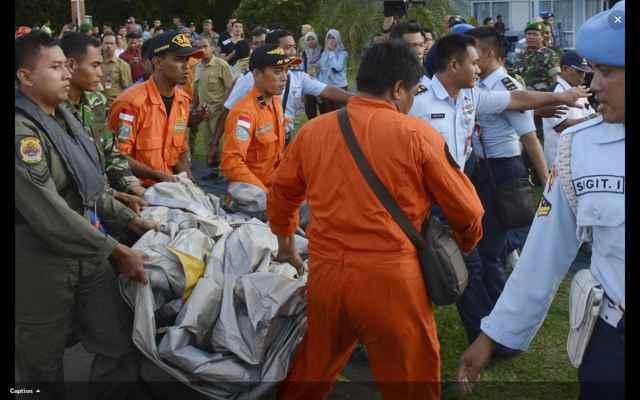 restos recuperados del vuelo QZ8501