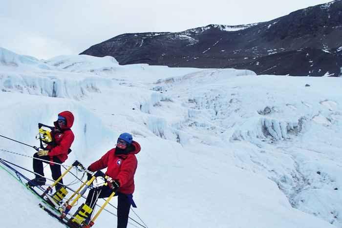 investigación de radar sobre las Cataratas de Sangre de la Antártida