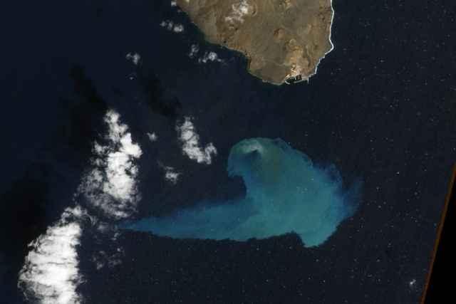 erupción submarina en El Hierro 2011