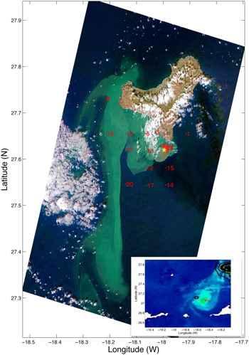 mancha azufre de la erupcion submarina en El Hierro
