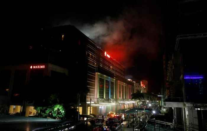 fuego en el Resorts World Manila