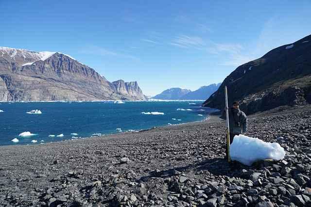 Iceberg arrastrado por el tsunami de Groenlandia
