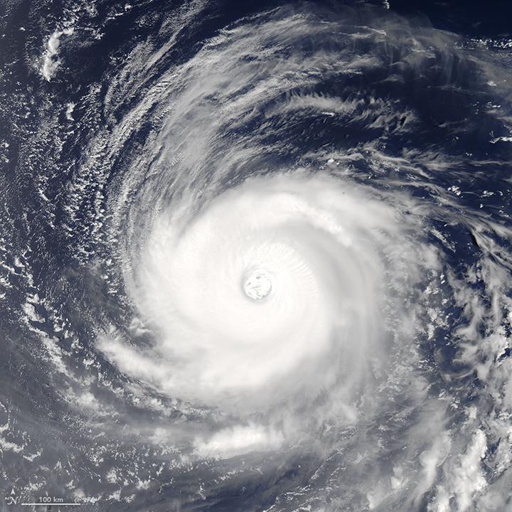 tifón Noru desde satélite