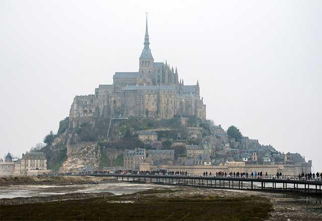 La abadía del Mont Saint Michel antes de la marea