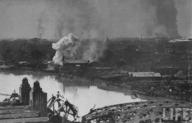 bombardeo sobre Binondo, Manila - 1945