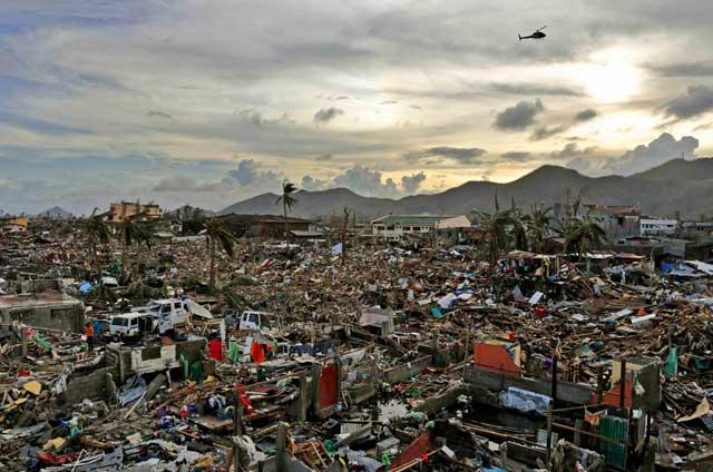 destrucción en Tacloban, Filipinas por el tifón Yolanda