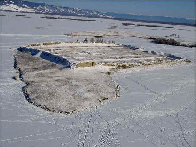 fortaleza de Por Bajin en una isla de Siberia en invierno