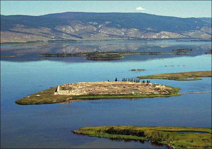 fortaleza de Por Bajin en una isla de Siberia