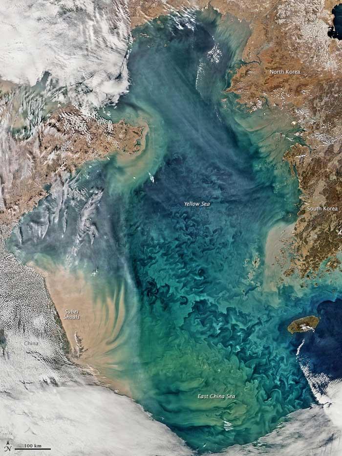 Remolinos de colores en el Mar Amarillo