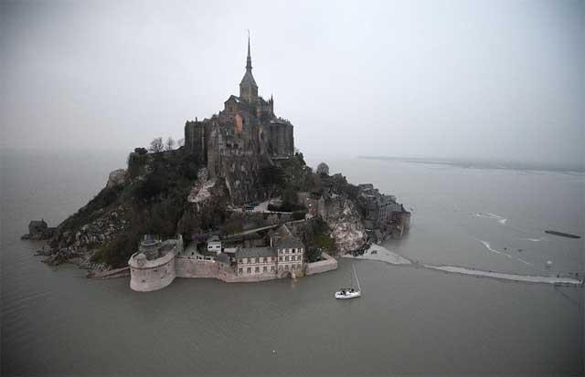 la marea del siglo en el Mont Saint Michel