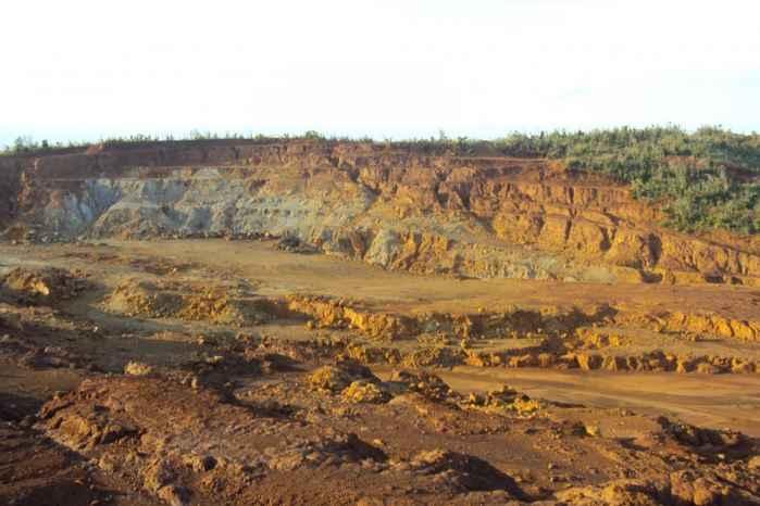 mina a cielo abierto en la isla Manicani, Filipinas