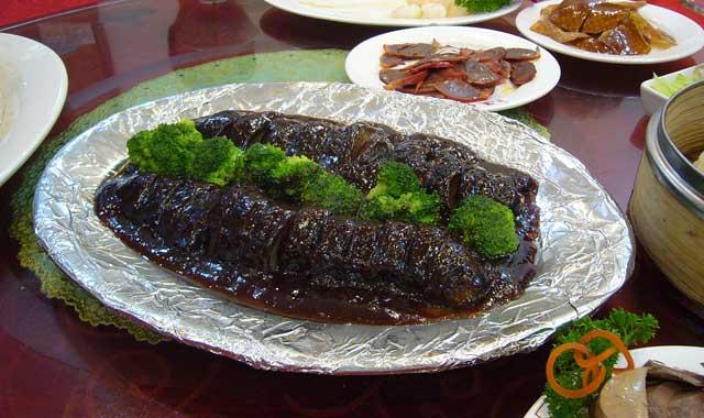 plato de pepino de mar