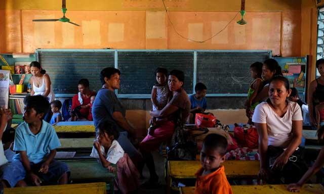 refugio de tifón en una escuela