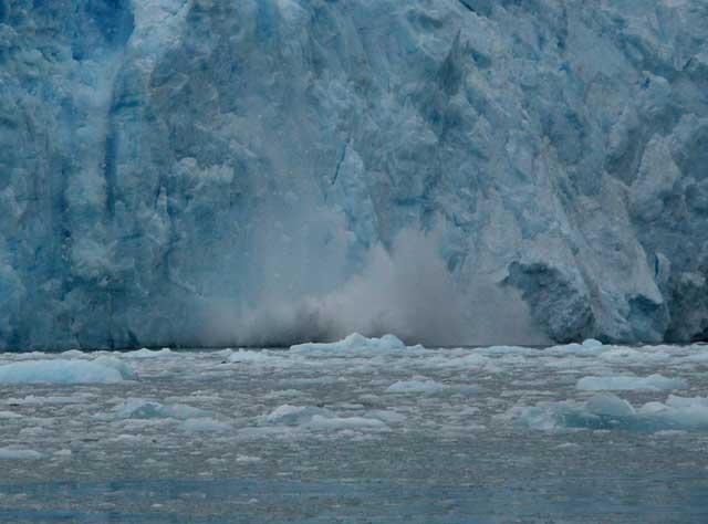 ruptura de un glaciar en Alaska