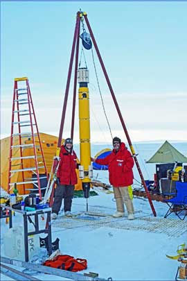 sumergiendo al ROV Icefin