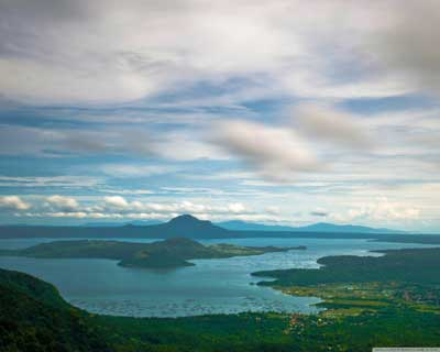 Isla del Volcán Taal, en la isla de Luzón, Filipinas