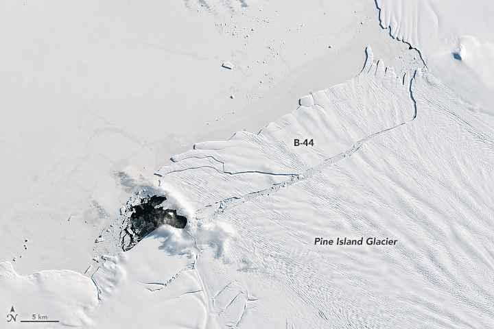 iceberg B-44 en el glaciar Pine Island