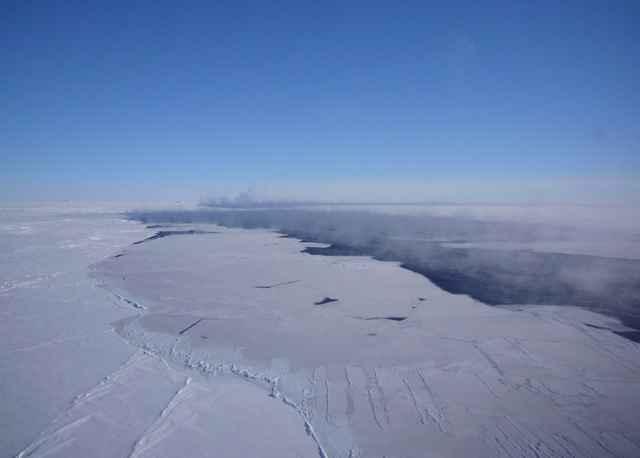 agujero de hielo en la Antártida, imagen aérea