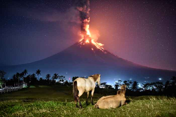 erupción del volcán Mayon en Filipinas