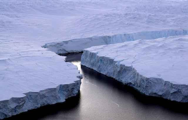 acantilados de dos icebergs