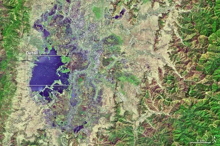 Lago Loktak, India