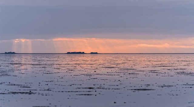 puesta sol en las islas Halligen