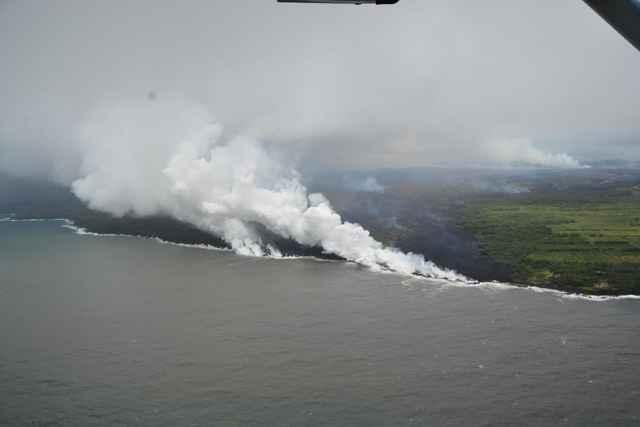 lava del volcán Kilauea entra en el océano