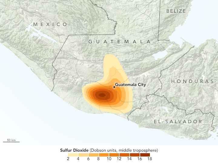 dióxido de azufre emitido por el volcán de Fuego
