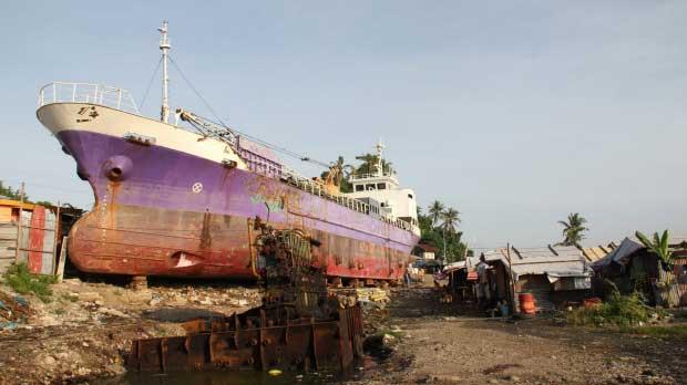 barco arrastrado por el tifón Haiyan