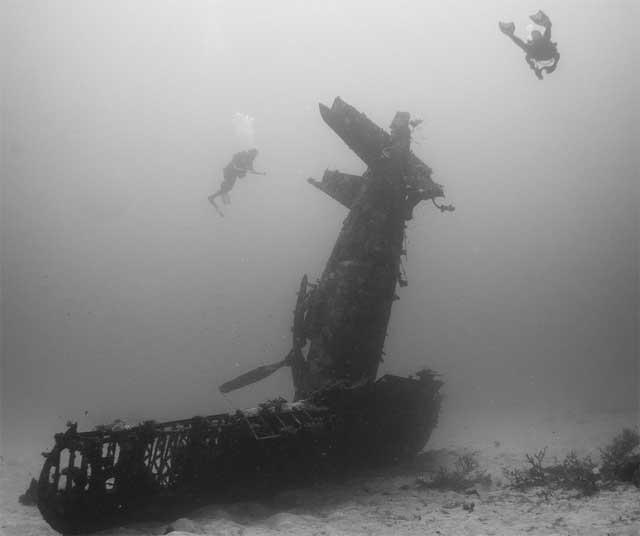 Corsair hundido en el Pacífico