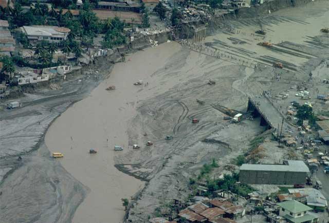 flujos de lodo por las cenizas del Pinatubo